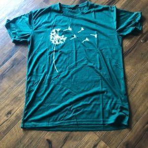 Beautiful 2xl green flower t shirt super soft.